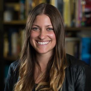Stephanie-Niebler_Senior-Associate