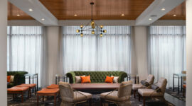 Hampton-Hilton-lobby-toward-windows-3aA
